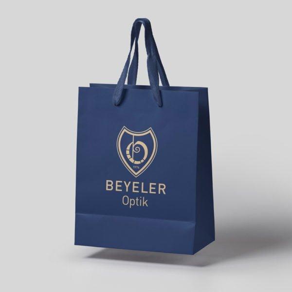 Bild der designten Tragetasche für Beyeler Optik